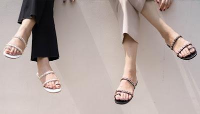 Tidak Cukup Satu, Inilah 8 Jenis Sandal Wanita untuk Tampil Santai