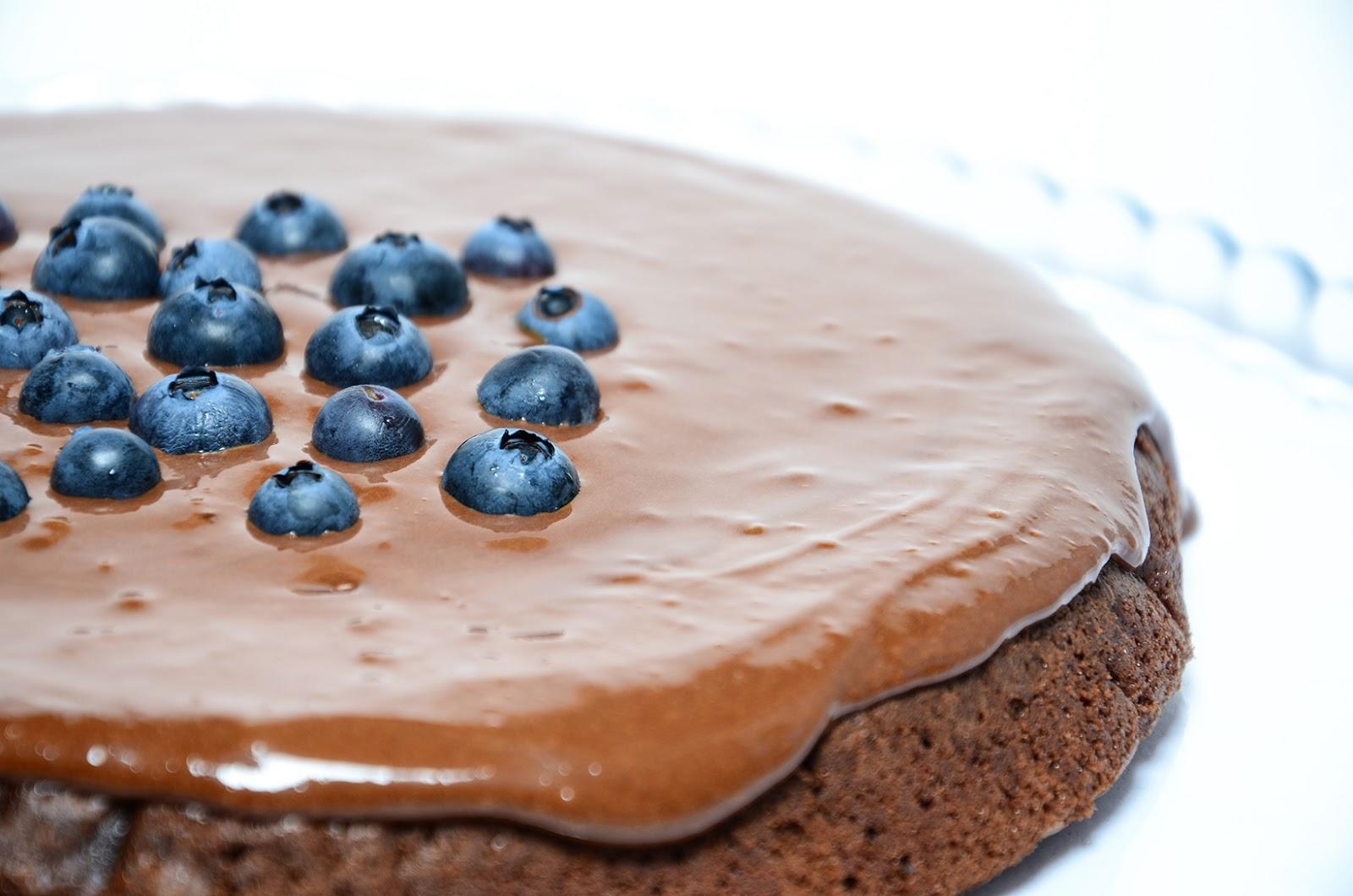 Bomba de Chocolate com Mirtilos   Segundas-feiras Doces na RFM
