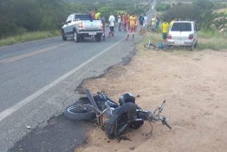 Motociclista morre após colisão
