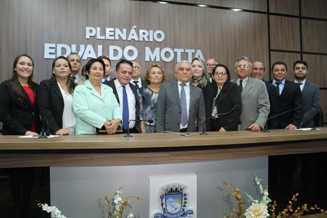 Câmara Municipal empossa Bonifácio Rocha como prefeito de Patos