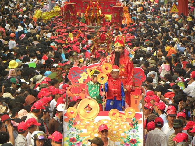 Ba Thien Hau pagoda festival 2