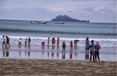 wisata pantai mustika di banyuwangi