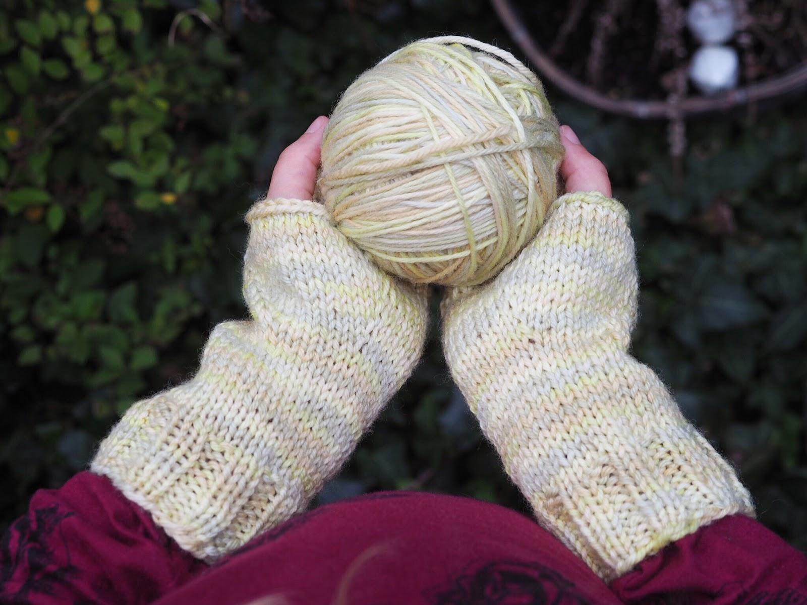 Fingerlose Handschuhe, Pulswärmer, Stulpen - Anleitung in 3 Größen für Strickanfänger