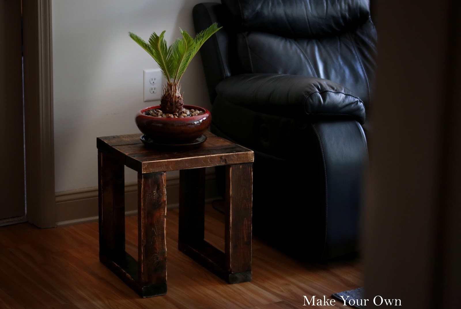 Build Your Own End Table Make Your Own How To Build A Modern Rustic End Table