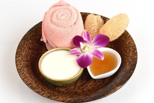 Comment préparer cette crème pour blanchir la peau naturellement?
