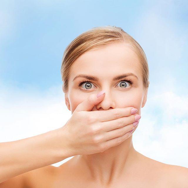 menghilangkan bau mulut dengan listerine