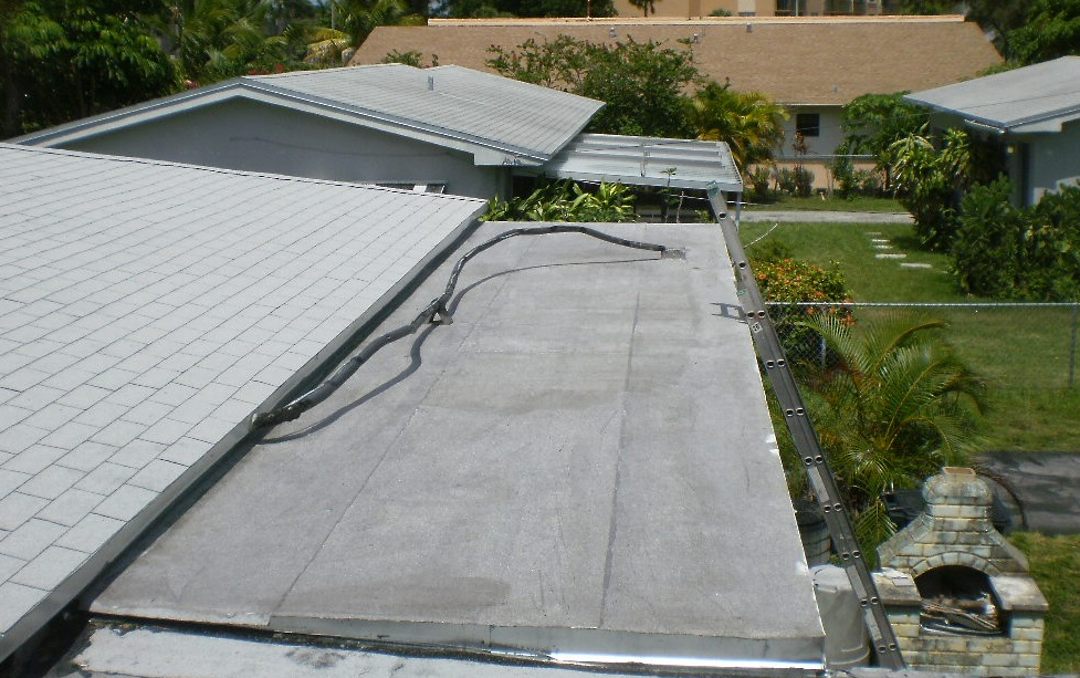 Flat roof in North Miami