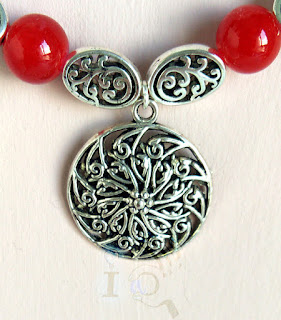 detalle-collar-inspiración-elfica-Ideadoamano