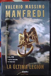 Portada del libro La última legión, de Valerio Massimo Manfredi