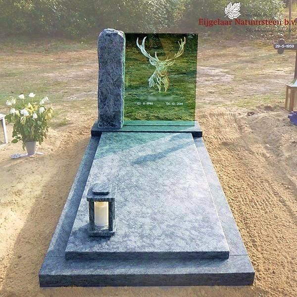 grafsteen hert, grafmonument hert