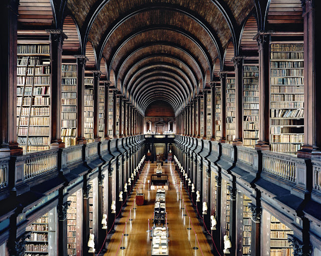 Trinity College Library Dublin I 2004. Copyright: © 2018 Candida Höfer, VG Bild-Kunst, Bonn. Courtesy Ben Brown Fine Arts
