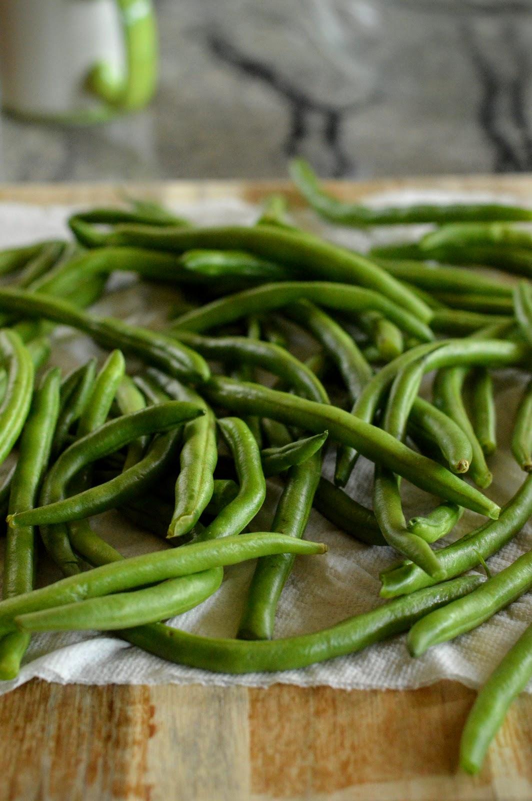 Sichuan Dry-Fried Green Beans 干煸四季豆 | DimSumptuous