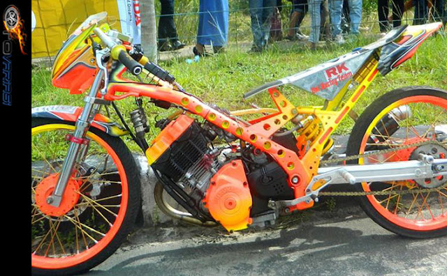 gambar modifikasi motor satria fu racing