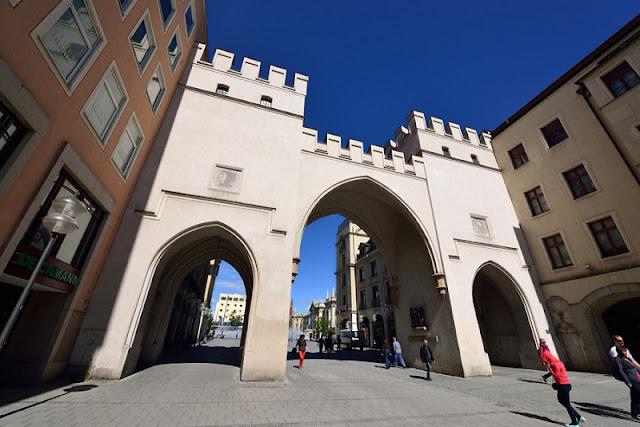 Portão Karlstor em Munique
