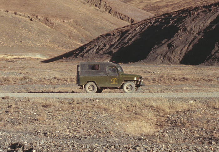 Tibet, Lungma, véhicule, © L. Gigout, 1990