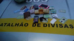 No Cariri - PM apreende carro clonado e dinheiro na casa de acusado de assalto a banco