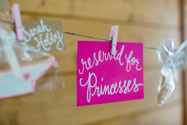 clothesline, rustic, quince ideas, hand lettered signs, tennessee