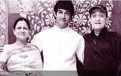 Aamir khan with mother and father