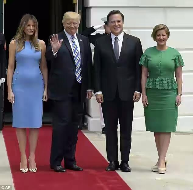 But Melania Trump S Fashion Is Yet To Be Called Into Question The First Lady Made A Sartorial Statement In Simple And Elegant Sleeveless Blue Dress