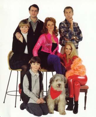 Comedy Serien Ableger aus England - Eine schrecklich nette Familie