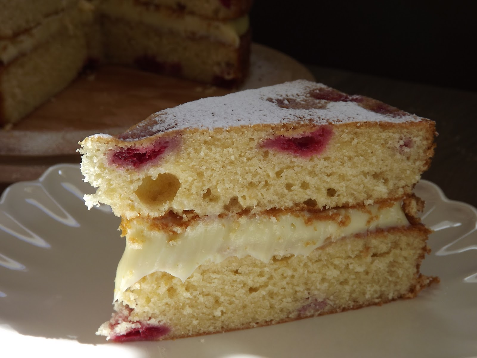 White Chocolate Cake Recipes Uk: Raspberry And White Chocolate Cake