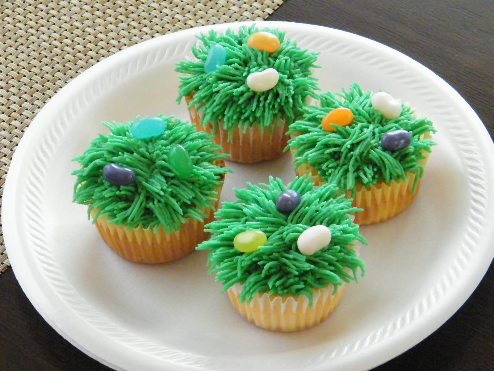 Grass Icing Tip Cake Ideas and Designs