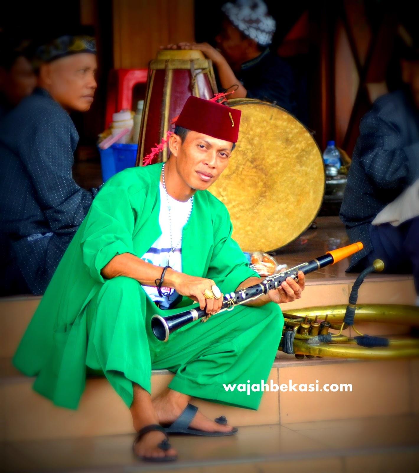 Lebih dekat dengan Bang Chevi Budayawan muda Bekasi