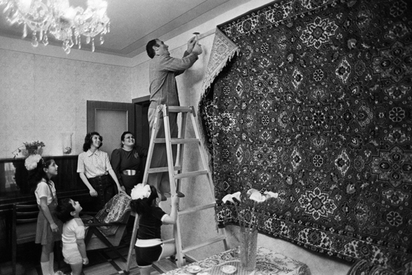 russian carpets on walls, rugs