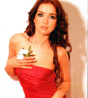 Natalia Oreiro de rojo