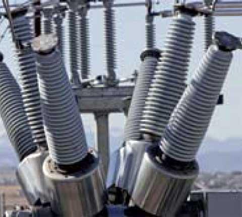 Instalaciones eléctricas residenciales - Aisladores en líneas de transmisión
