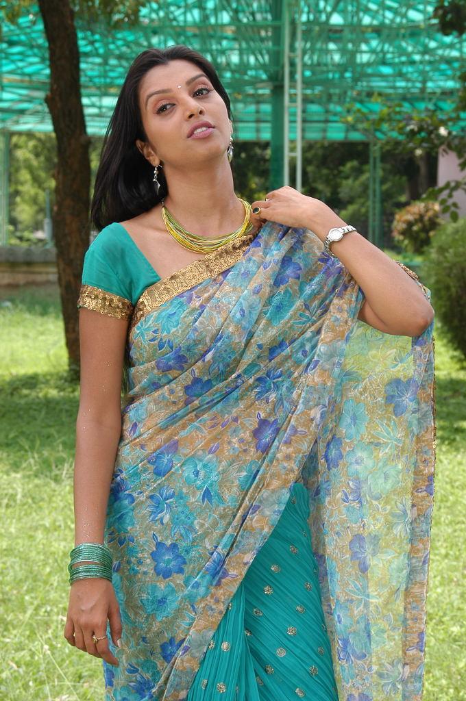 Mallu Actress Manjulika Hot Spicy In Saree Photos,Tamil -1933