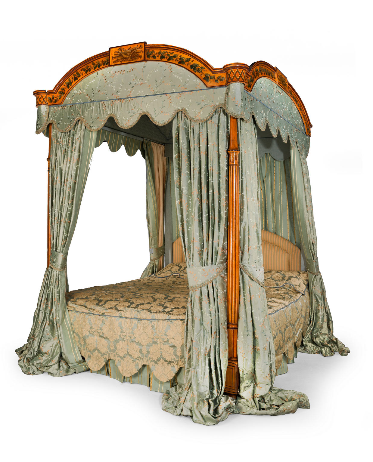 How To Use A Four Poster Bed Canopy To Good Effect: Your Home Thoughts: Different Types Of Bedroom Furniture