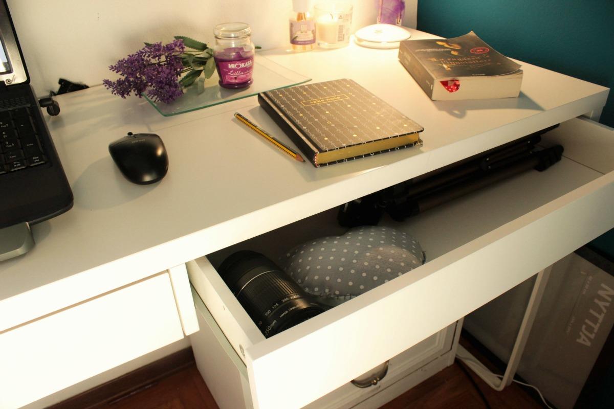 Calendula e camomilla desk organization come ho sistemato la mia scrivania - Scrivania ikea micke ...