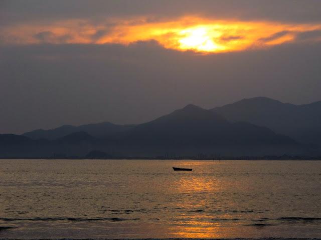 Pôr do Sol em Indaiá, praia de Bertioga.