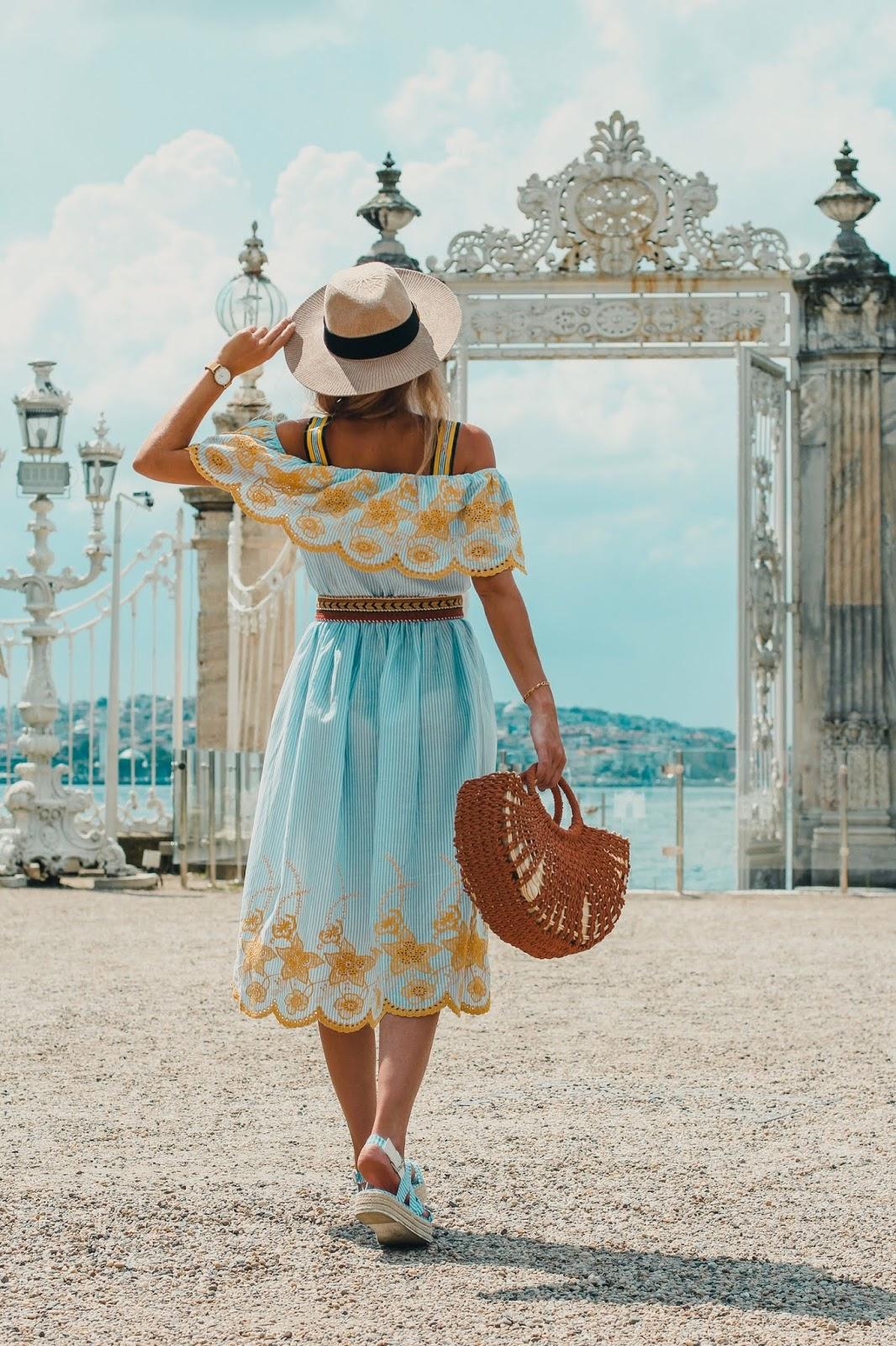 vestido midi rayas azules y blancas
