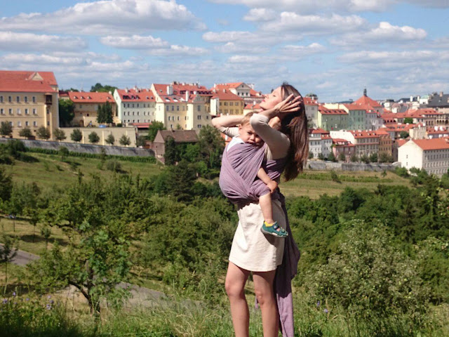 "Alt=""Portabebés AYU en Praga"""