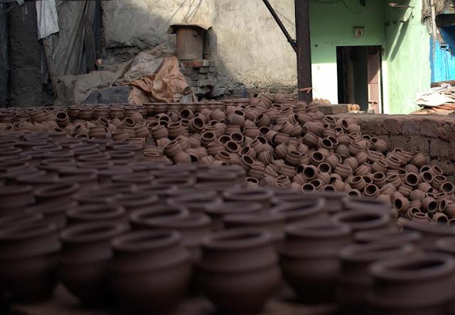 pots, kumbharwada, dharavi, mumbai, street, street photo, street photography, India,