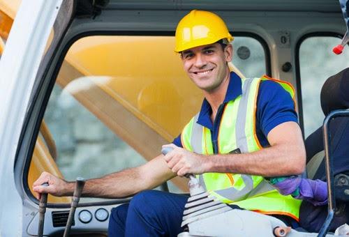 Lavoro: offerti 30.000 posti ma 8.000 non si trovano figure specializzate