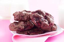 Raspberry Chocolate Chip Cookies #desserts #cakerecipe