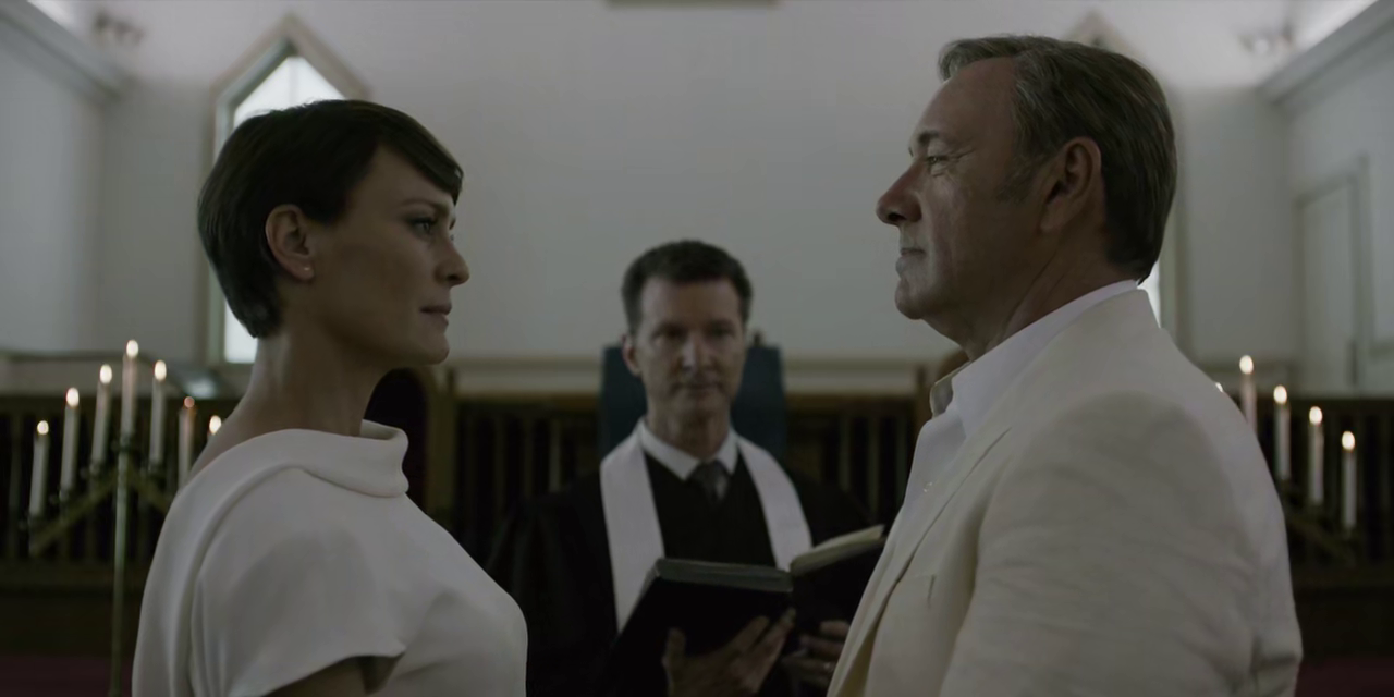 http://www.recenserie.com/2015/03/house-of-cards-3x07-chapter-33.html