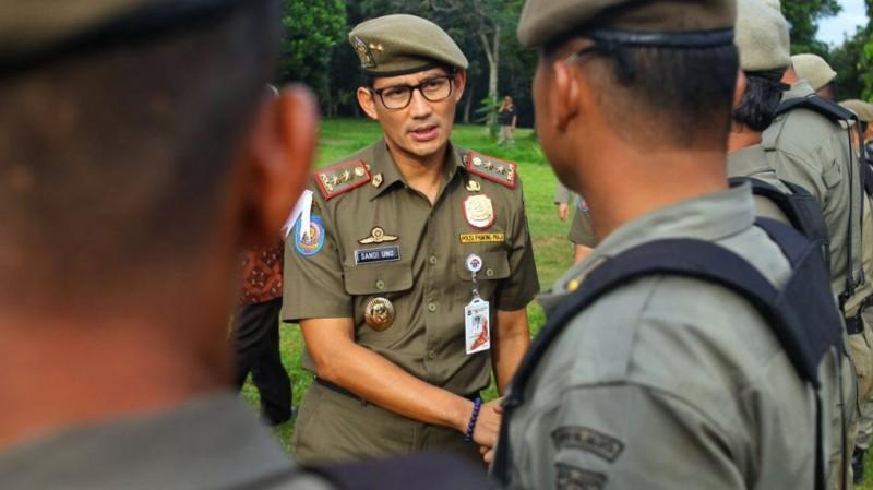 Sandiaga Uno dan Satpol PP DKI Jakarta