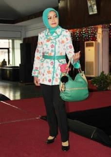Model Celana Panjang Wanita Untuk Setelan Atasan Batik