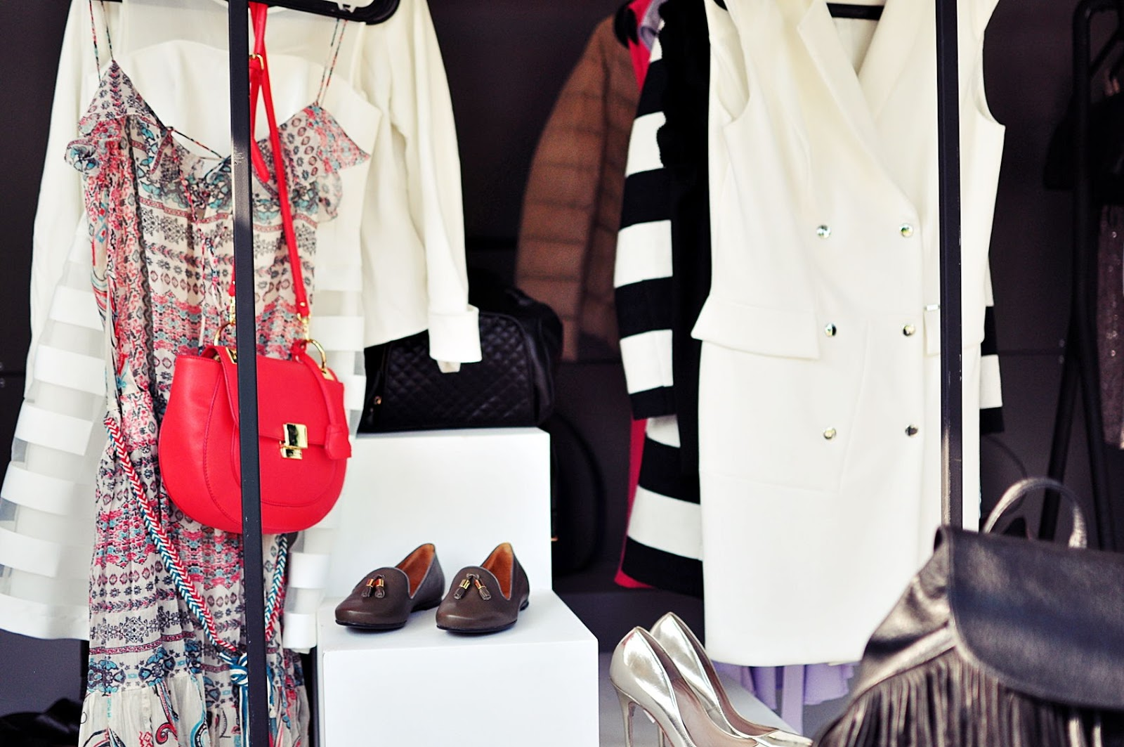 minimalizm-w-garderobie