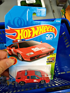 hot wheels lamborghini countach pace car