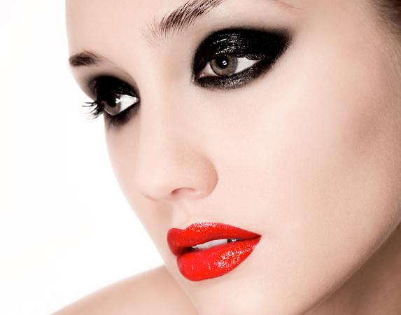 Fashion Beauty Black Eyes Makeup