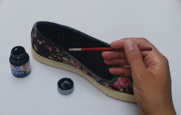 Consertando sola tênis slipper