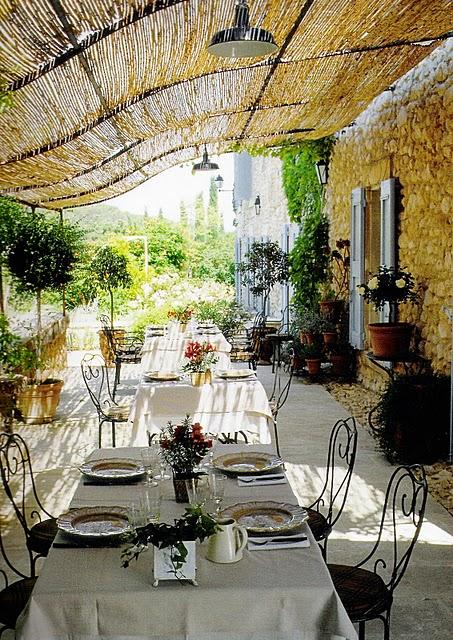 lost  found dining al fresco