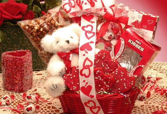 Romantic Valentines Day Ideas For Her | Valentines Day Gift Ideas ... Romantic  Valentines