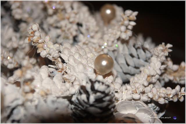 szyszki, wianek z szyszek, ozdoby na Boże Narodzenie, ozdoby z szyszek na Boże Narodzenie, wianki, girlandy z szyszek pine cone decorations, piecone wreaths, pine cone Xmas