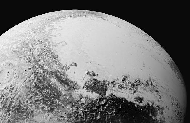 Plutão - oceano submerso